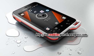 29 ponsel - SE Experia Active
